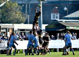 Esher vs Rotherham Titans Match Report, Saturday 20th October 2018 written by Philip Wigley, photographic credit to Leo Wilkinson