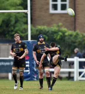 Rosslyn Park vs Esher Match Report, Saturday 17th November 2018, written by Philip Wrigley, photographic credit to Leo Wilkinson