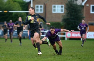 Esher vs Loughborough Students Match Report, Saturday 8th December 2018 written by Phil Wigley, photographic credit to Leo Wilkinson