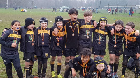 Esher Rugby Minis & Juniors are back. Come and join in and bring your friends !